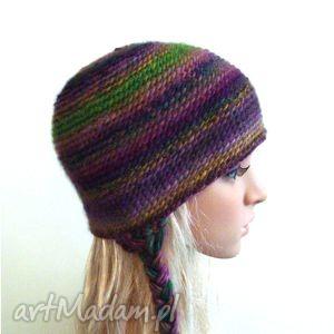 indiańska czapka z warkoczami we fioletach i zieleniach - czapka, warkocze, cieniowana