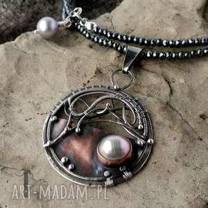 Chandrama - srebrny naszyjnik z miedzią i perłą , srebro, 925, wirewrapping
