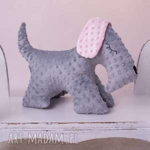 Prezent Przytulanka dziecięca pies stojący, pies-przytulanka, pies-maskotka