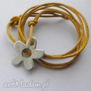 kwiat wisiorek, alpaka, sznurek, wisiorki