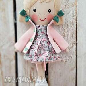 lalki malowana lala kaśka, lalka, przytulanka, niespodzianka, zabawka, prezent