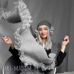 wielki szal z frędzlami 2 odcienie szarości, szal, szalik, frędzle, zima