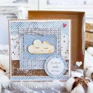 handmade kartki przeurocza kartka dla dziecka w pudełeczku z szybką. Narodziny. Chrzest