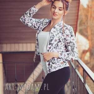zjawiskowa kurtka bomberka damska na suwak, biała bluza w kwiaty, floral, flora