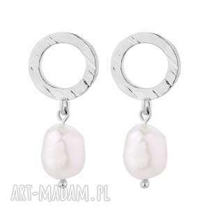 srebrne kolczyki z naturalnymi perłami - prły, srebro modne