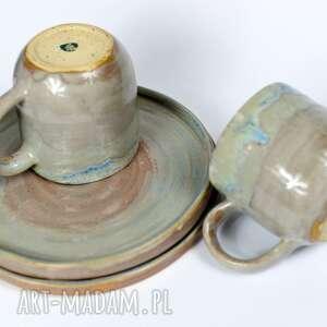 ceramika ceramiczny zestaw 2 talerze kubki beże brązy 420 ml 21 cm