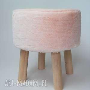 Fjerne s futrzak różowy dom tworczy kat fjerne, stołek