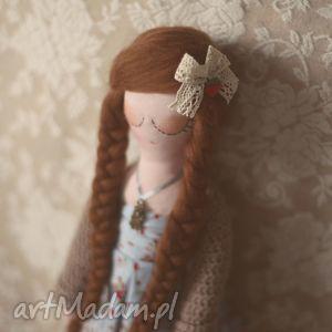 Bajka w Sweterku - Marzena, lalka, sweterek, kwiaty, koronki, ubranka, lalek