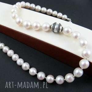 naszyjniki perła uwięziona, perły