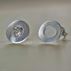 srebrne kółka, koła, koła sztyfty, małe kolczyki kółka