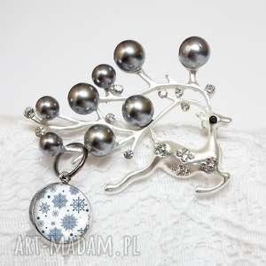 prezenty na święta renifer świąteczny - unikatowa broszka z cyrkoniami i perłami