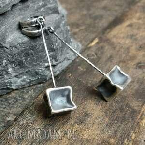 kolczyki srebrne kostki, metaloplastyka, srebro oksydowane, na prezent