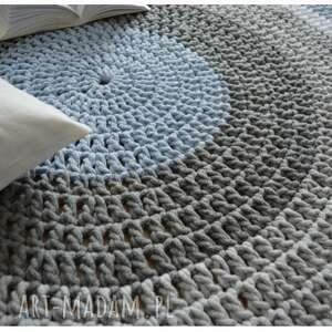 ręcznie robiony dywan o średnicy 150 cm, rękodzieło, dekoracja, wnętrze