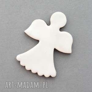 handmade pomysł na świąteczny prezent aniołek-magnes ceramiczny