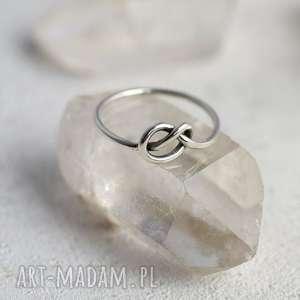 Prezent Pierścionek z węzełkiem, pierścionek, pętelka, minimalistyczny, prezent