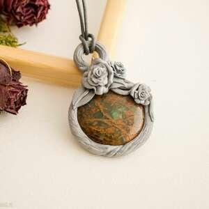 Wisior inspirowany naturą z jaspisem, wisior, wisiorek, polymerclay, różany, róże