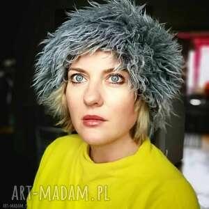 hand made czapki czapka damska futrzana na podszewce, wysoka, ciepła, w stylu boho, taka