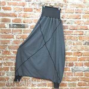 Szara Eminencja-spodnie na każdą okazję, boho-spodnie, szare-alladyny, folk-spodnie