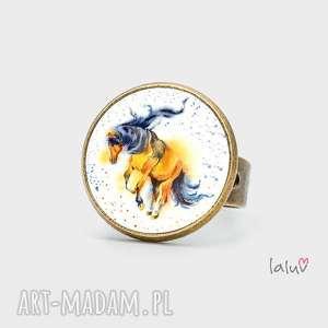 pierścionek koń, prezent, konik, podkowa, kopyto, pastwisko, stajnia, świąteczny
