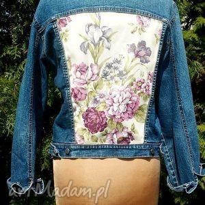 jeansowa kurtka z kwiatem - kurtka, jeans, recykling, aplikacja, kwiat, modna