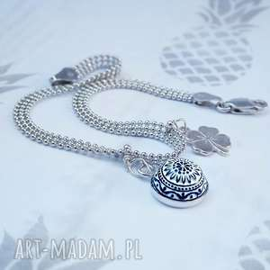 srebrna minimalistyczna bransoletka z koniczynką i zawieszką, prezent, szczęście