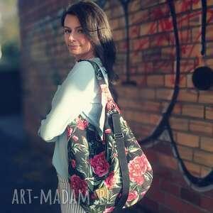hobo welurowe piwonie na czarnym, torebka hobo, torba worek, kwiatowa