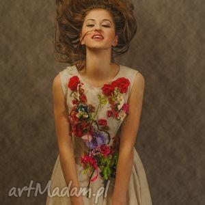 lniana haftowana sukienka - lniana, sukienka, haftowana, len, beżowa, natura