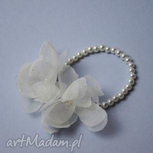 wyjątkowy prezent, gumka z kwiatami, ecru, perły, ślub, kwiaty