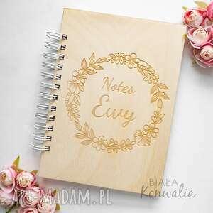 notes - kwiatowy wianek 1, drewniany, notes, grawerowany, kalendarz