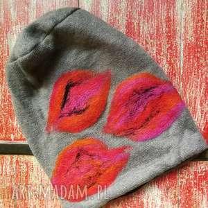 ręczne wykonanie czapki czapka wełniana filcowana bezowa zimowa handmade