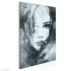 obraz na płótnie - kobieta portret szary w pionie 50x70 cm (14911)