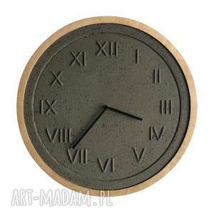 Zegar betonowy roman natural drewniana rama handmade z betonu