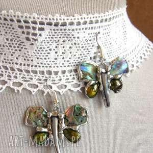 kolczyki motylki tęczowe oliwkowe, motylki, z pereł, muszla