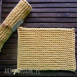 komplet żółtych podkładek, sznurek, podkładka, komplet, żółty, talerz