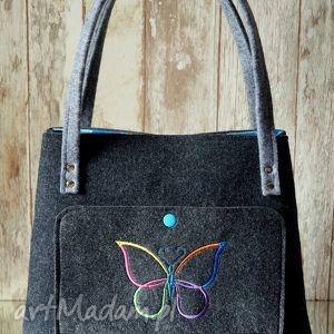 filcowa torebka z haftem, filcowa, torebka, haftowana, motylek, shopper, prezent na