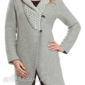 elegancki płaszcz wełniany z ozdobnym kołnierzem rozmiar 46 ozdobny, zapinany