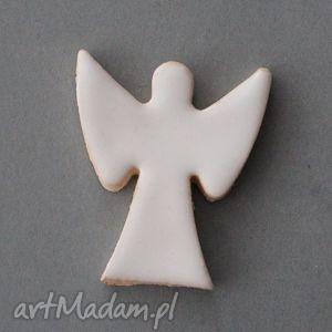 pod choinkę prezent ANIOŁ-broszka ceramiczna, minimalizm, czapka, święta, przypinka