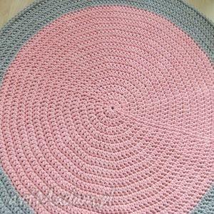 handmade pokoik dziecka okrągły dywan 104 cm szaro-różowy ze sznurka