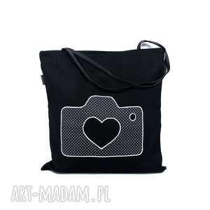 handmade czarna bawełniana torba na zakupy z aparatem