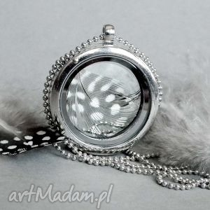 hand-made naszyjniki medalion z piórkiem