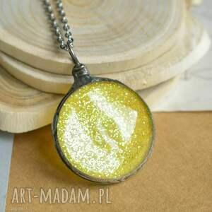 naszyjniki słonecznie - naszyjnik z brokatem w szkle, żółty, wisior