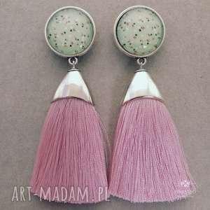 pędzelki z oczkiem w łączkę różowym chwostem, sztyfty, stal, metal, szkło, chwosty