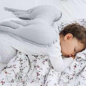 poduszka skrzydła szara anioł, prezent dla dziecka, wyprawka, baby shower