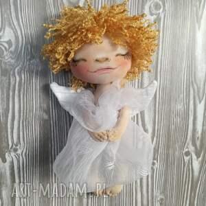 Prezent ANIOŁEK dekoracja ścienna - figurka tekstylna ręcznie szyta i malowana
