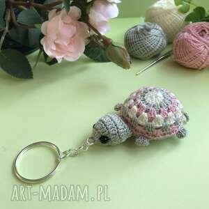 żółwik breloczek na szydełku, breloczek, żółw, wiosenny, pastelowe kolory