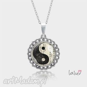 Medalion okrągły mały YIN YANG - ,zen,harmonia,spokój,medalion,prezent,wisiorek,