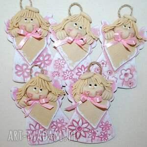 różowe sukienki - anioły z masy solnej sercem na dedykację, anioły, masa