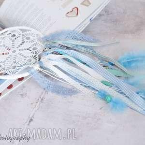pokoik dziecka błękitny łapacz snów, łapaczsnów, serwetka, wstążki, pióra, korale