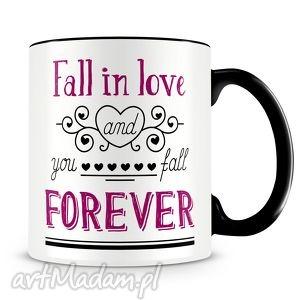 kubek z nadrukiem dla zakochanych - fall in love forever na walentynki