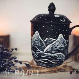 porcelanowy kubek góry z przykrywką i zaparzaczem, góry, kubek, herbata, relaks